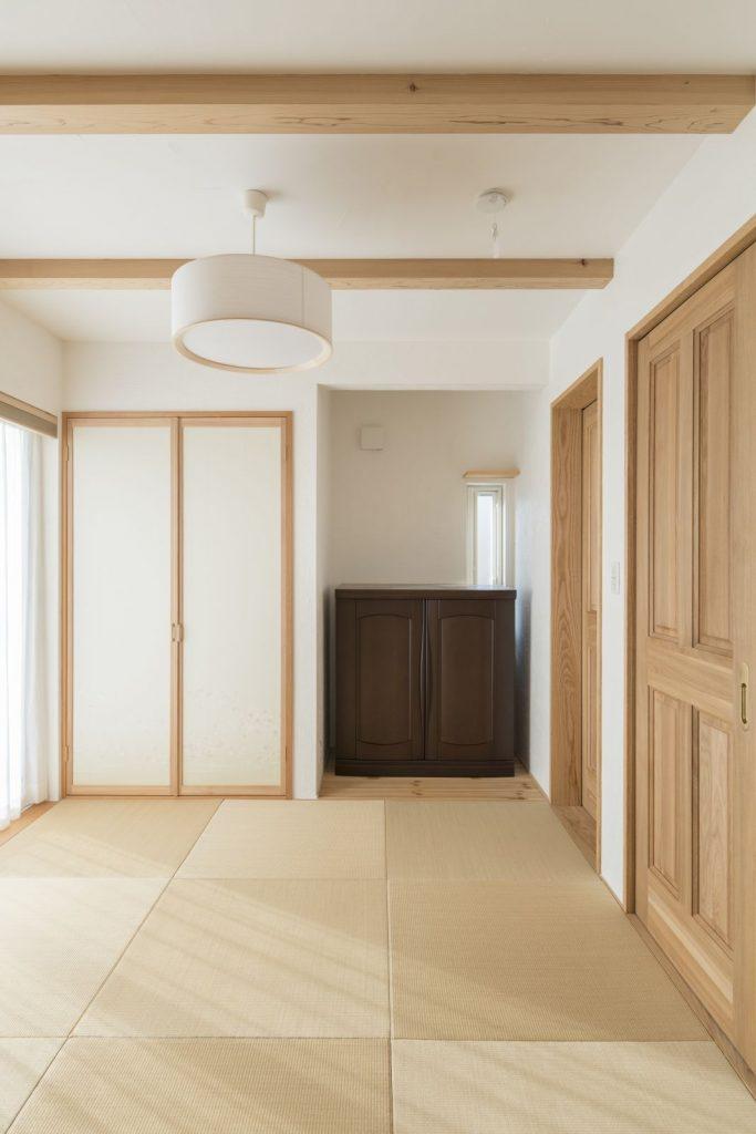 現在はリビングの延長として、将来的には寝室として使える和室