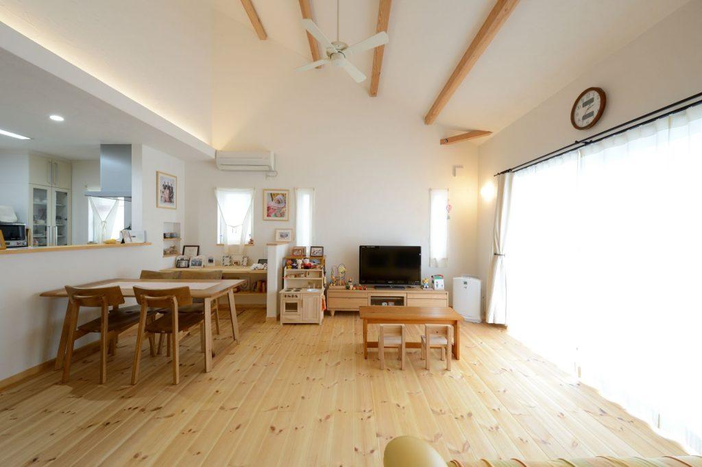 自然素材で健やかに暮らせるきれいにお片付けができる家