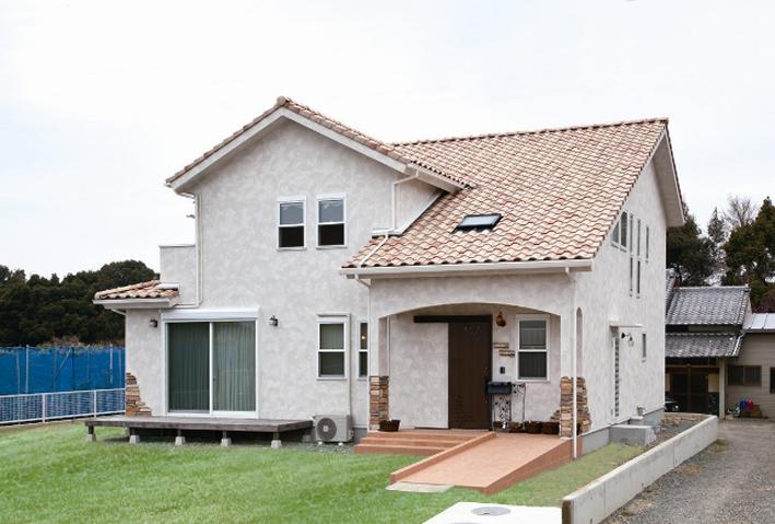 自然素材が醸し出す温かみと、二世帯住宅のヒントがたっぷりと詰まった空間