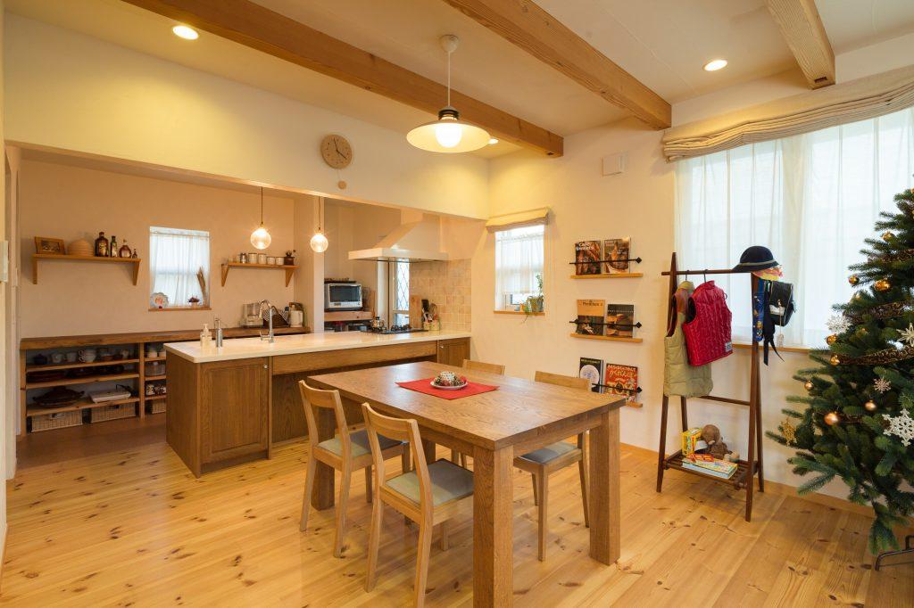 こだわりのキッチン。パン教室の生徒さんが来ても安心して作業できるように設計。