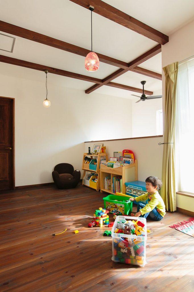 2階のホールはお子様の絶好の遊び場になっている