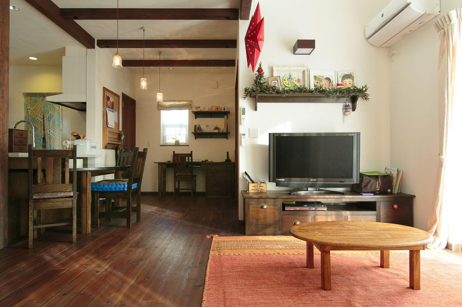 自然素材に心ほどけるアンティーク・レトロな家