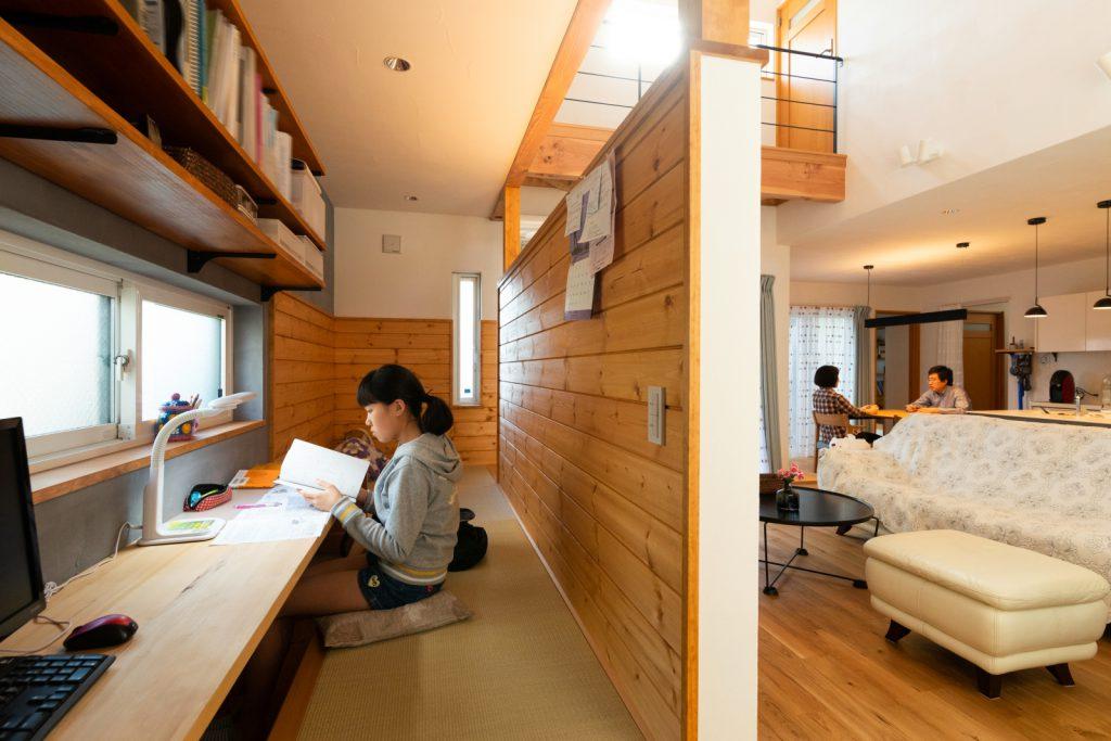 注文住宅の事例 LDKのスタディスペース