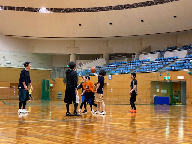 バスケで運動