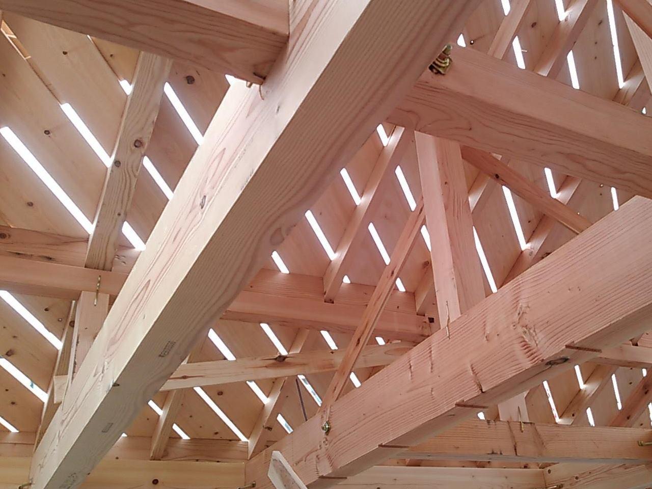 無垢材を用いた屋根の野地板