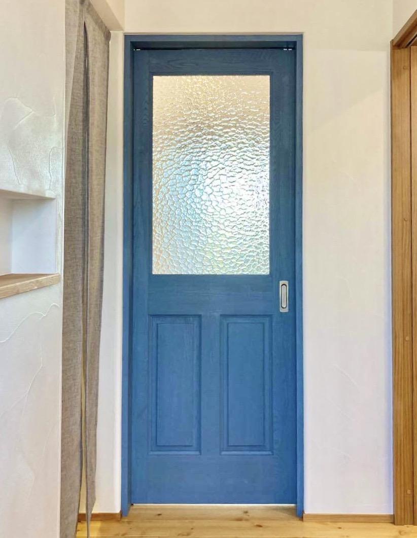 室内ドア ブルー
