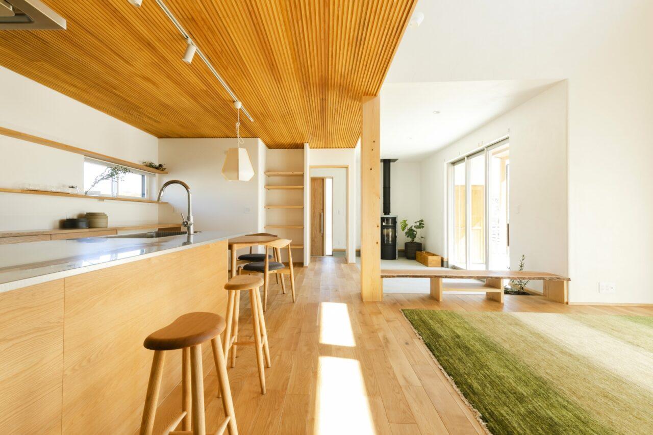 LDKと土間玄関、室内外の全てをひとつに感じられる贅沢な空間