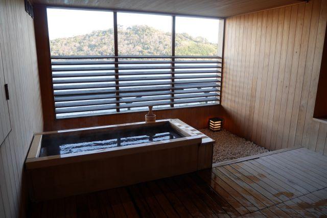 旅行写真 ヒノキ風呂