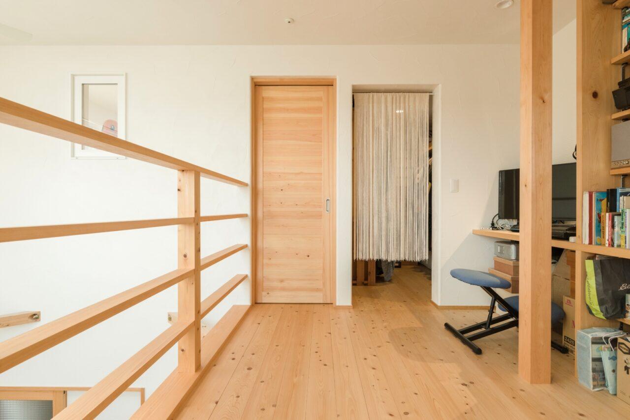 部屋干しもできる2階のフリースペース