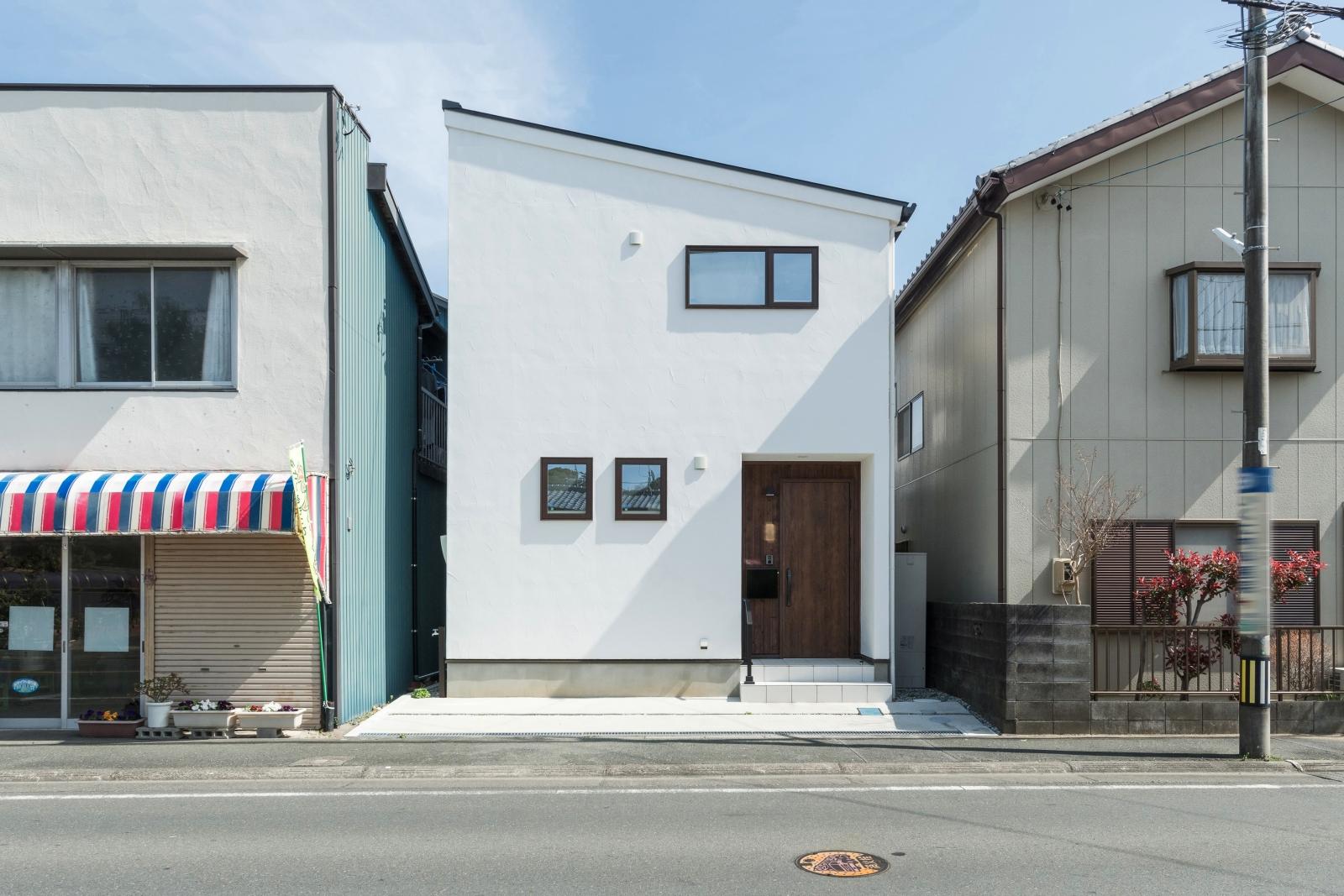 24坪の狭小地に建てた コンパクトな家