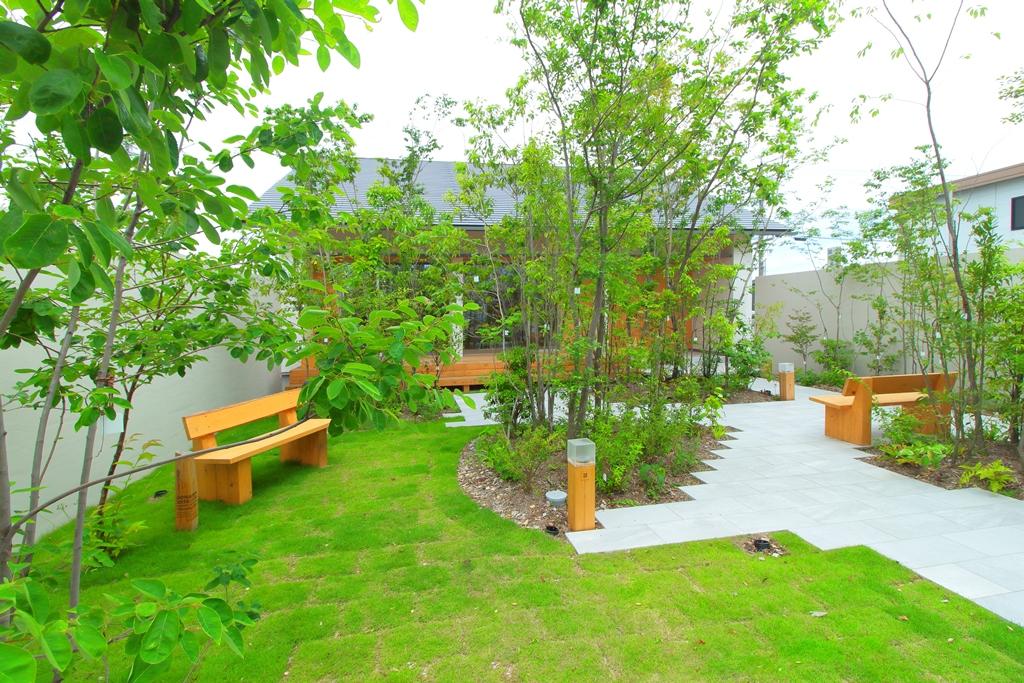 お庭にグリーンは欲しいですか?