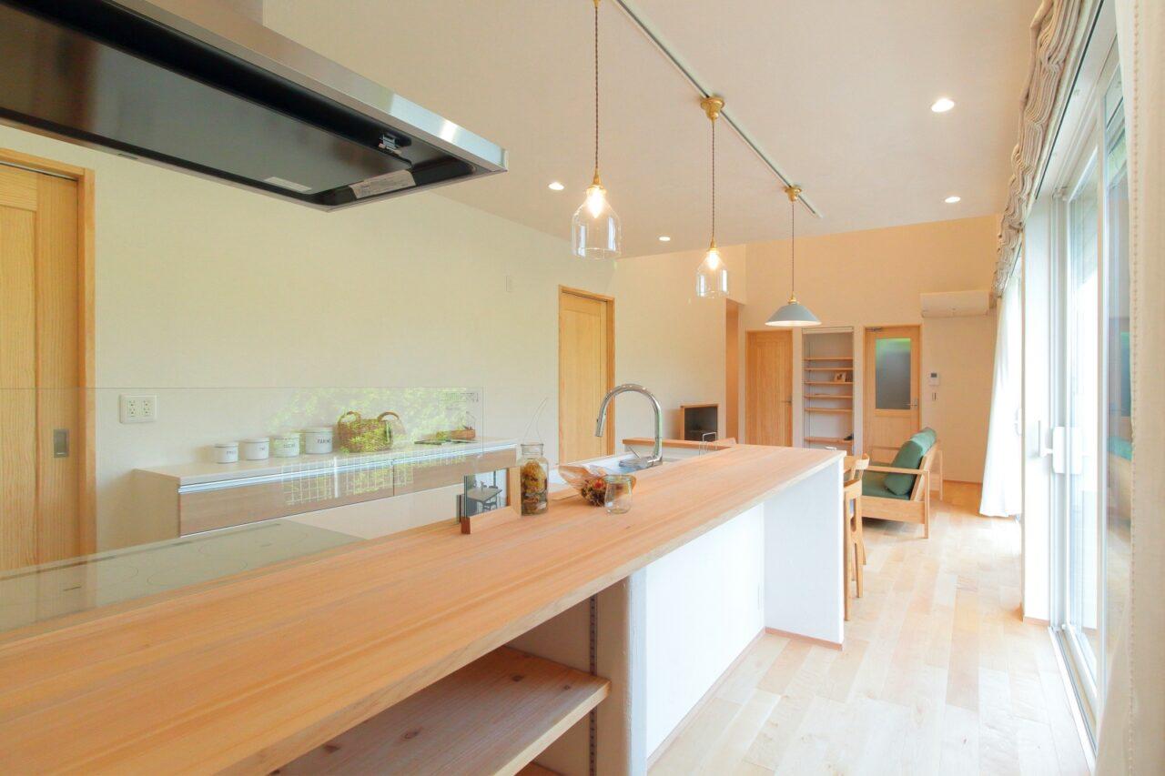 オープンキッチンの平屋でシンプルな暮らし