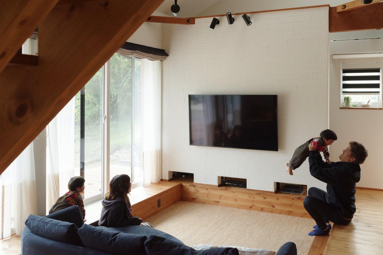 壁掛けテレビでボードを置かない